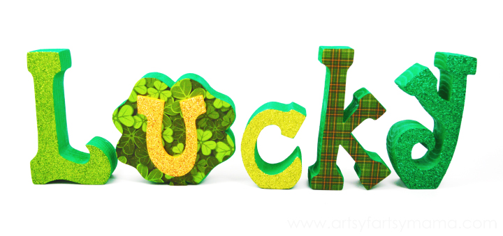 Lucky Word Set Tutorial at artsyfartsymama.com #StPatricksDay