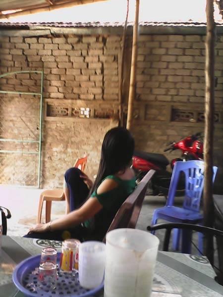 Nghệ An: Đột nhập 'phố đèn đỏ' lừng danh 'buôn hương bán thịt' khiến bao anh ngất ngây ở Hòn Câu