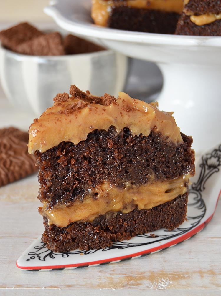 Torta de chocolate y maní