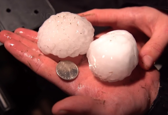 Hail the size of a tennis ball fell in Oklahoma, USA