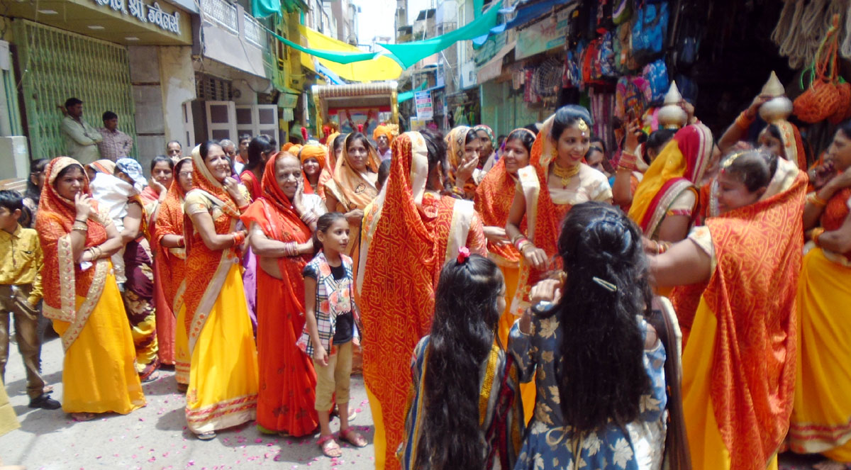 Jhabua News- अरोडा खत्री समाज ने भगवान वरूणदेव की प्रतिमा स्थापना का तृतीय समारोह आयोजित किया