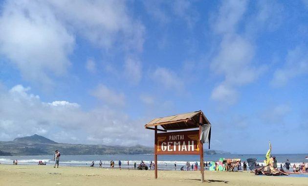 Jangan sampai tidak kunjungi ! 5 pantai di Tulungagung ini.