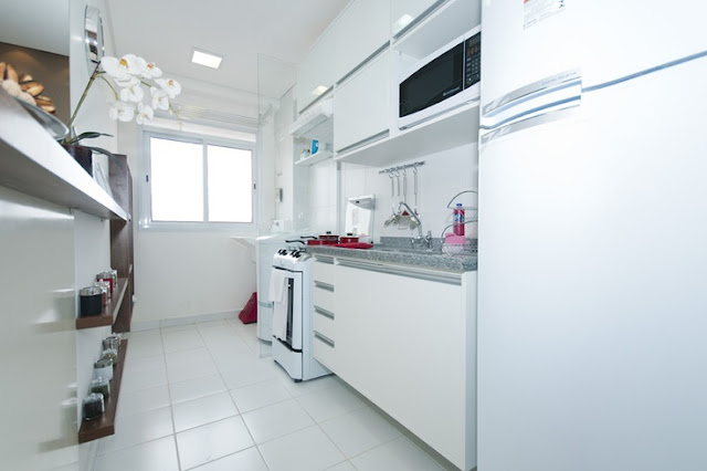 prateleiras-aproveitando-espaço-cozinha