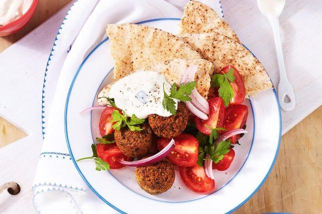 Falafels with tomato salad and tzatziki