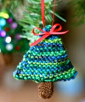 http://www.ravelry.com/patterns/library/oh-christmas-tree-2