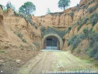 Túnel dedicado a los champiñones. Lo que pudo haber sido y no fue.