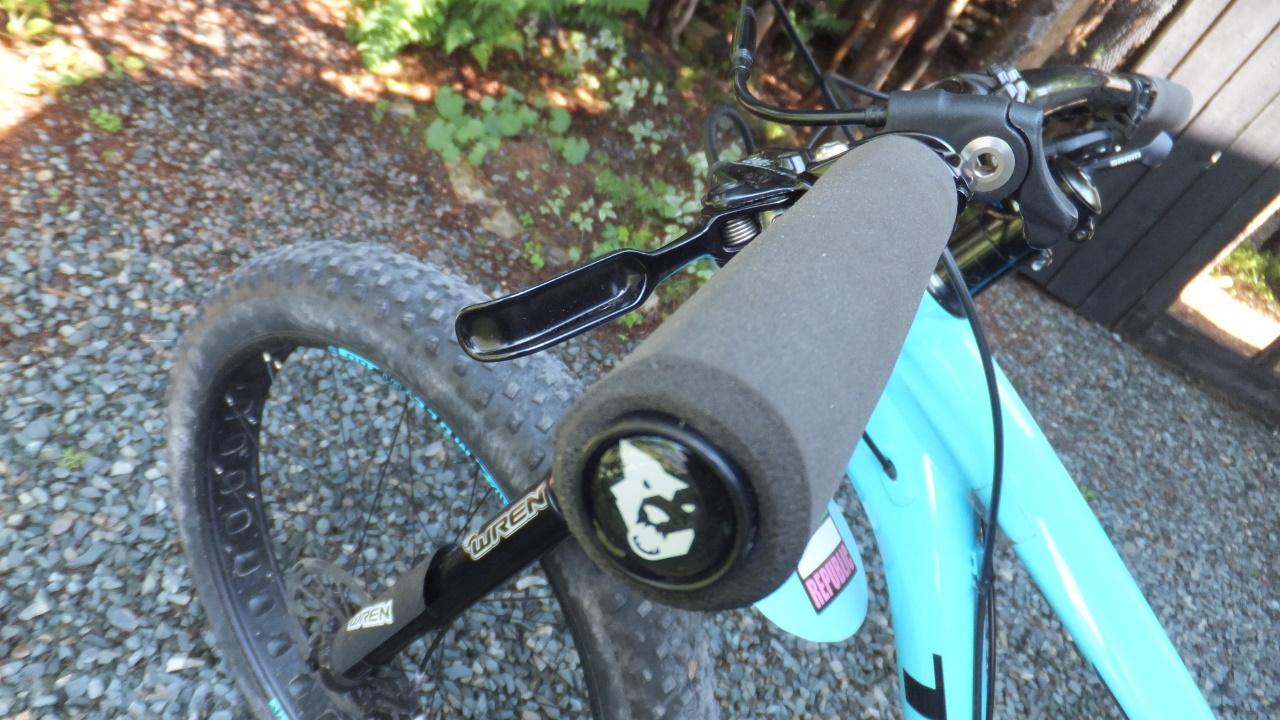 Wolf Tooth Karv Bicycle Grips//Black