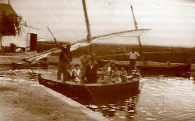 Paseo en barca por Valencia en 1955