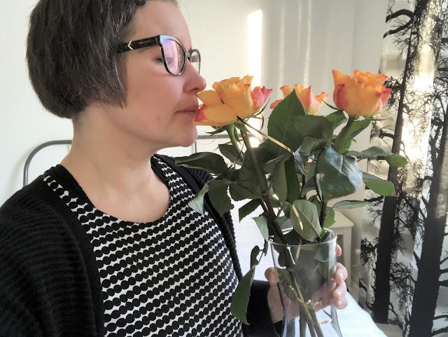 Ruusu on kaunis niin ulkoisesti,kuin tuoksultaankin