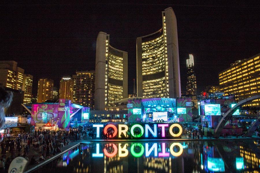 Nathan Phillips Square principais pontos turísticos do Canadá
