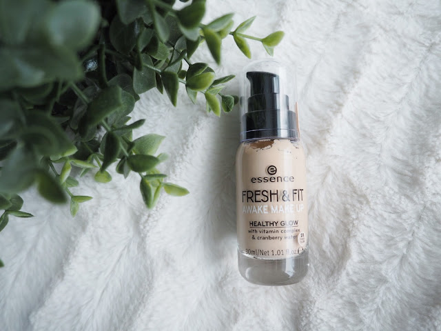 Essence Fresh & Fit Awake Make Up Meikkivoide