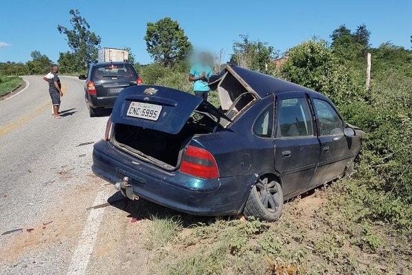 Tragédia: Acidente envolvendo dois veículo deixa duas pessoas mortas e uma ferida em Piripá