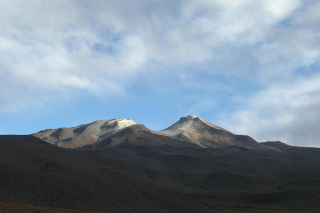Massive 'lake' discovered under volcano could unlock why and how volcanoes erupt