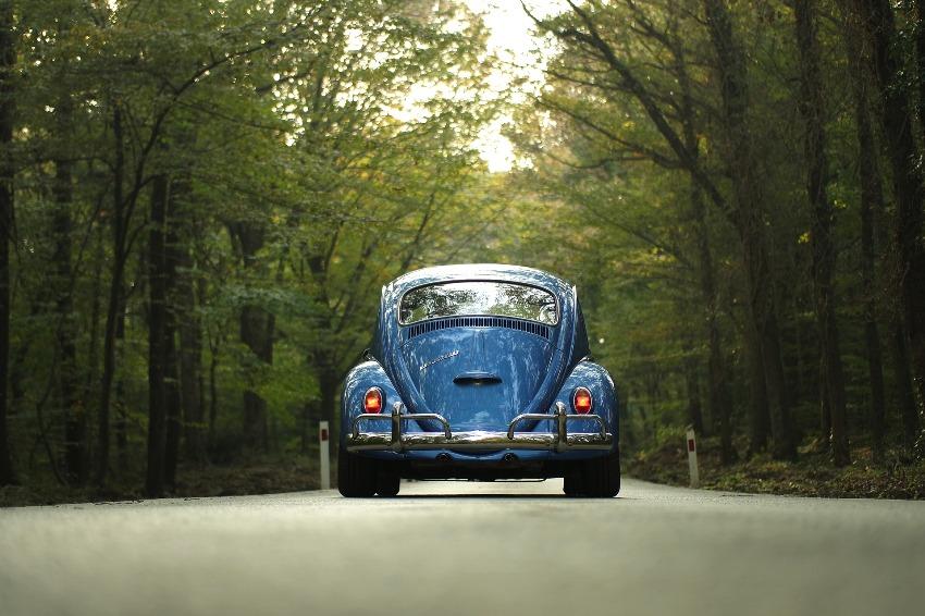 6 praktycznych rzeczy, które warto mieć w samochodzie