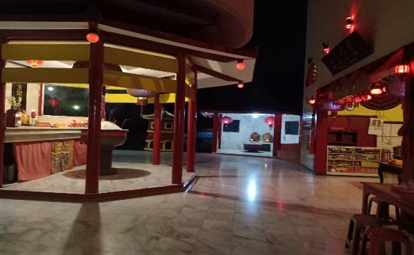 Begini Suasana Malam di Vihara Sian Jin Ku Poh Tonjong