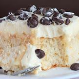CANNOLI POKE CAKE RECIPE