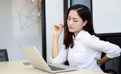 Cara Mengatasi Rasa Nyeri di Leher dan Punggung Saat Bekerja