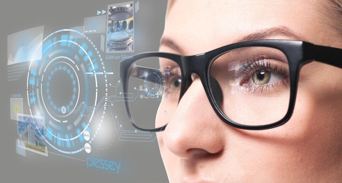الفيسبوك تتطلع لتطوير نظارات ذكية للواقع المعزز بالتعاون مع شركة Ray-Ban