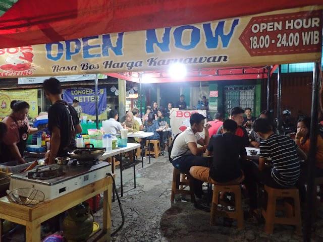 Kuliner Seafood ala Kaki Lima di Bos Kepiting, Rawamangun
