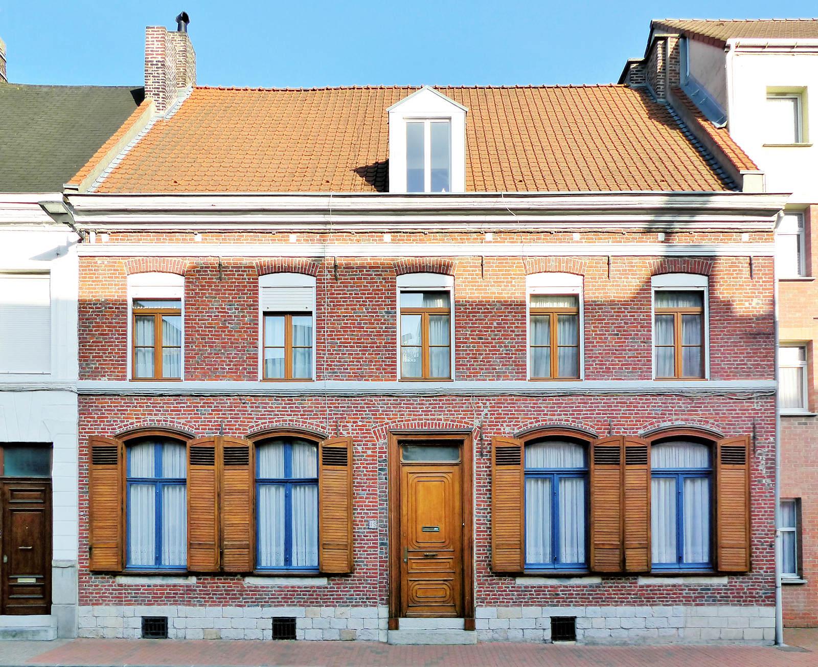 Rue des Anges, Tourcoing - Maison à briques rouges.