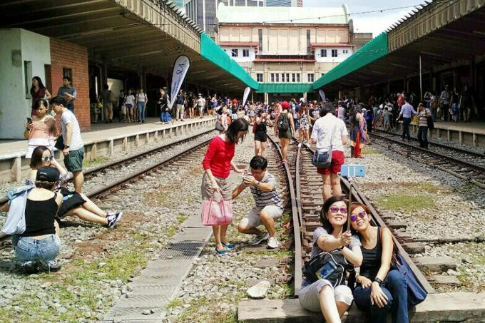 More than 30,000 people turned up to bid farewell to Tanjong Pagar Railway Station on Christmas, reported Shin Min Daily News.