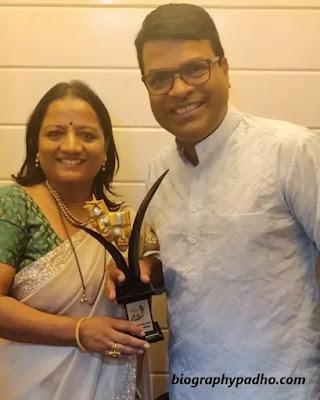 Bharat Jadhav's wife Sarita Jadhav