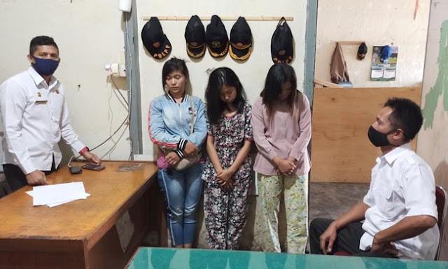 Satpol PP dan Damkar Kota Solok mengirim tiga pemandu lagu ke Panti Rehabilitasi Andam Dewi Sukarami