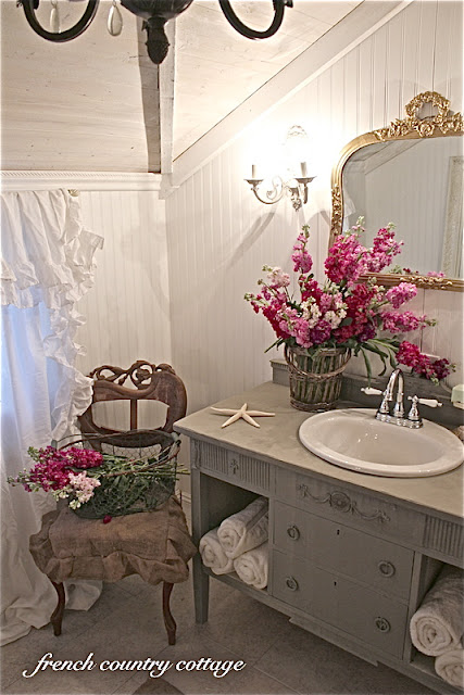 French Country Bathroom Design Hgtv Pictures Ideas: Petite Cottage Bathroom Makeover