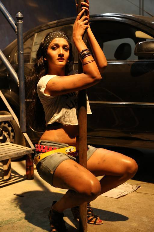 Swastika From Aayirathil Iruvar Movie Syunning Hot Gallery