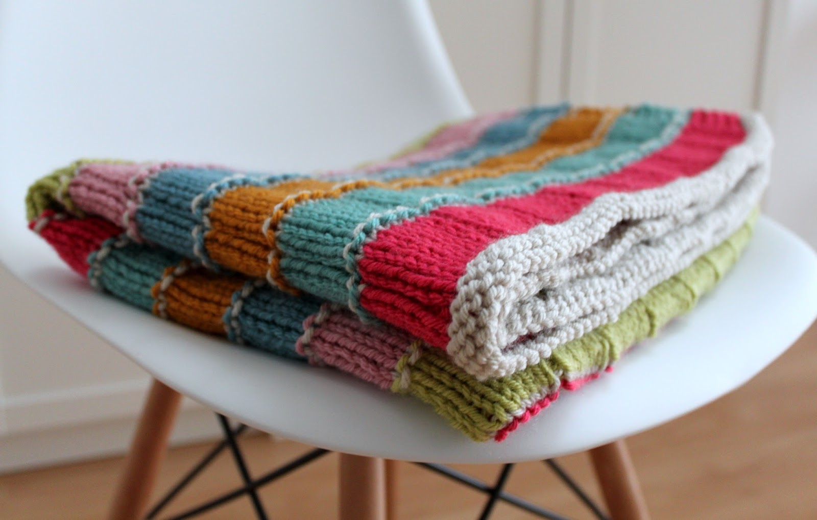 Hand Knitted Things: Special Stripy Blanket
