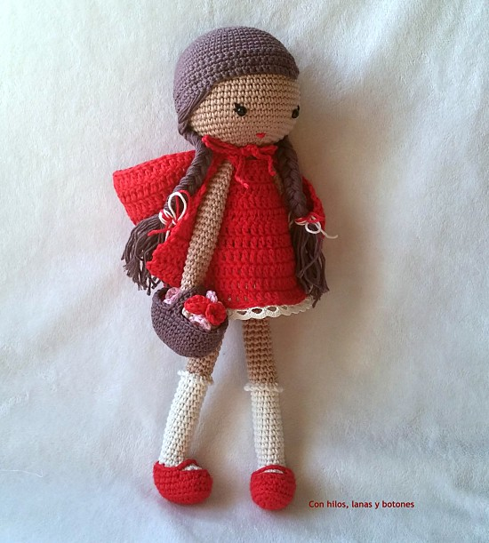Con hilos, lanas y botones: Caperucita Roja amigurumi