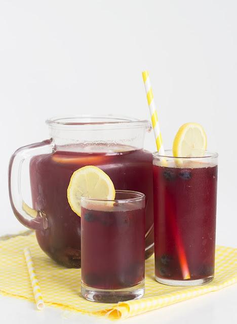 refreshing blueberry pomegranate lemonade iced tea