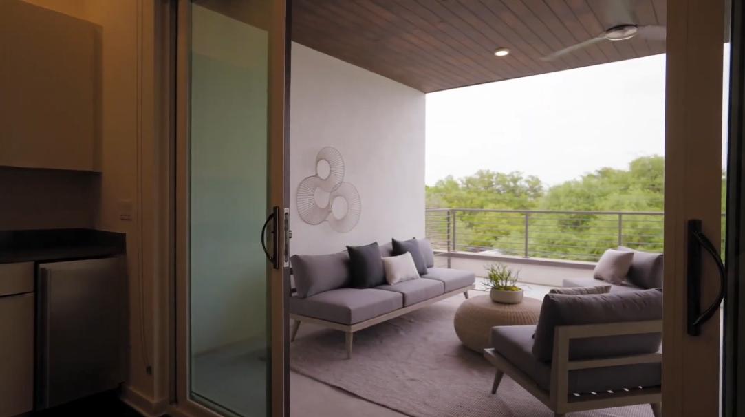21 Interior Design Photos vs. 2003 Wilson St #4, Austin, TX Townhome Tour