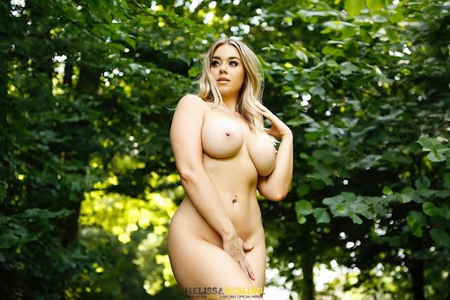 Melissa Debling full nude hot pics
