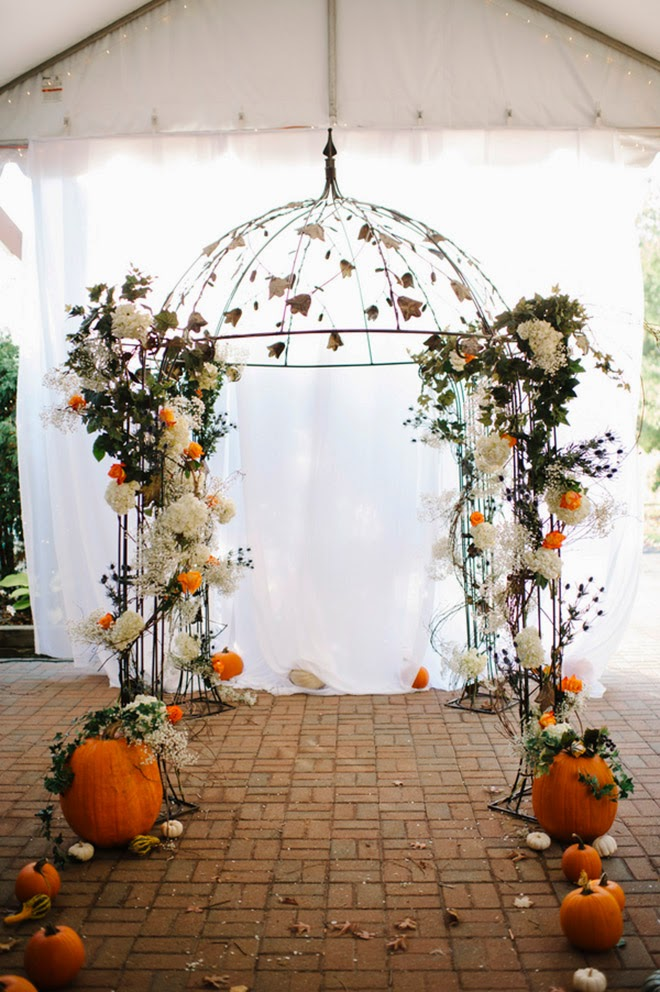 Orange and Turquoise Fall Vintage Wedding Soirée - Belle The Magazine