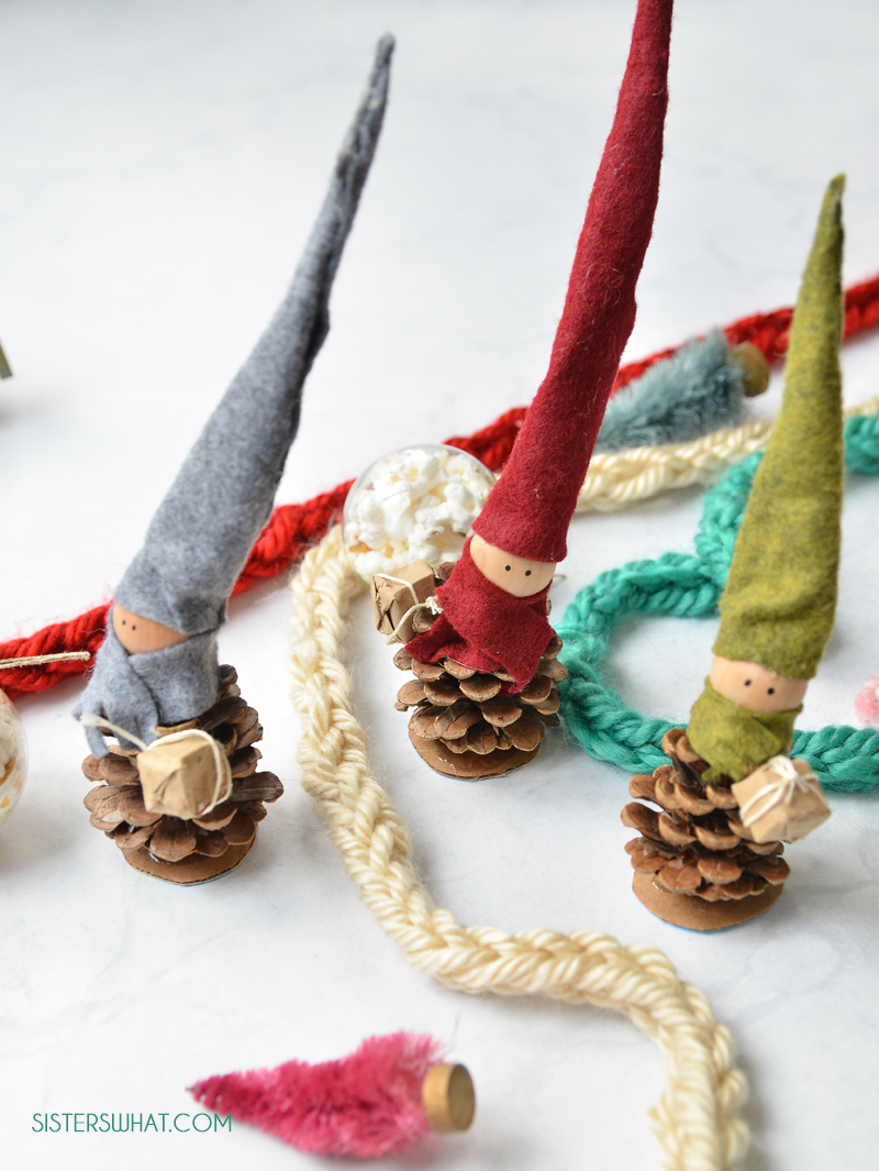 how to make easy pinecone elves