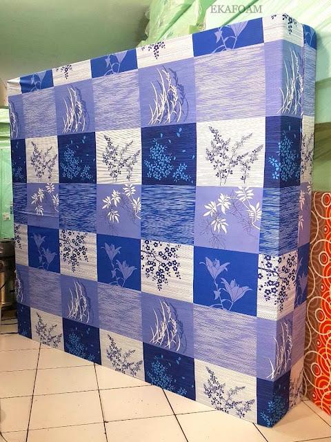 Kasur inoac motif minimalis padi biru