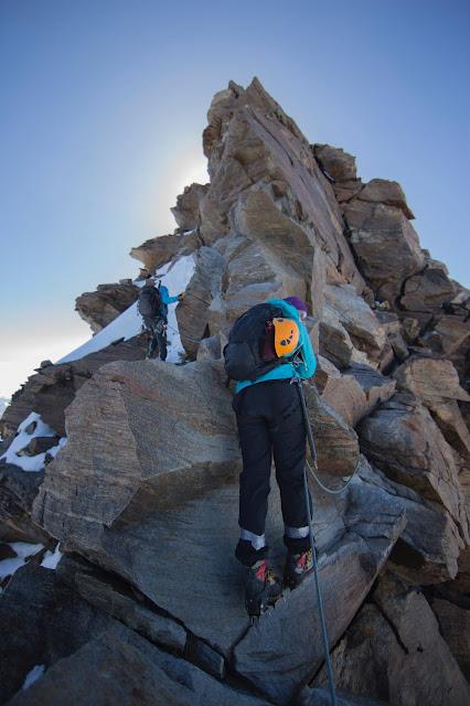 Janiina Ojanen vuorikiipeilee Monte Rosalla