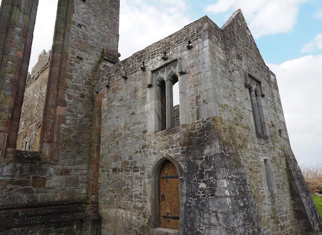 ardfert, old church, kivikirkko, puuovi