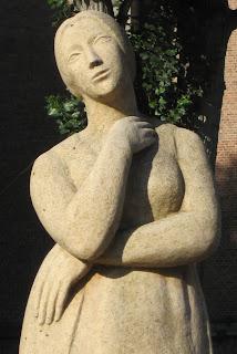 Marceline Desbordes-Valmore - Sculpteur : Albert Bouquillon - 1958 - Douai.
