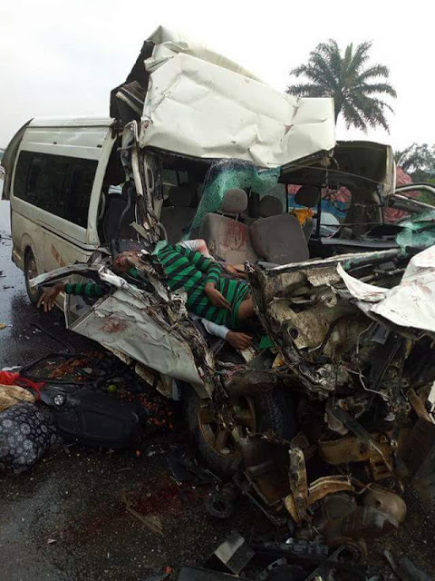 Graphic Photos: Two female ABSU students, others killed in fatal accident in Imo