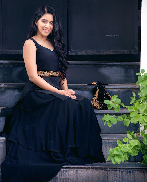 Mirnalini Ravi  (Indian Actress) Wiki, Age, Height, Family, Career, Awards, and Many More...