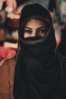 background quotes keren wanita berhijab