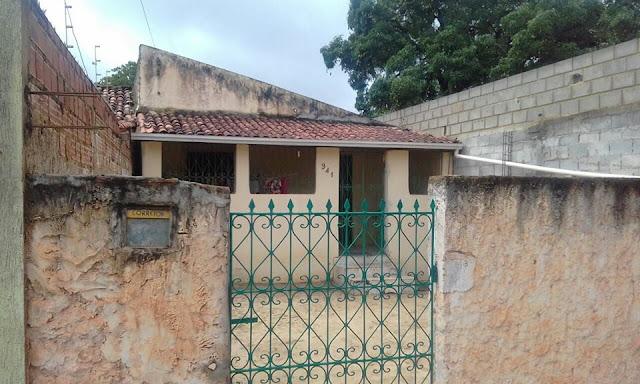 Mulher é encontrada morta dentro de casa na rua São Lázaro, em Alagoinhas
