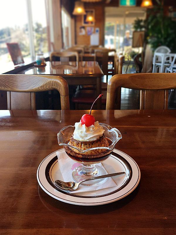 静岡県島田市にある静岡屈指の絶景が楽しめるレストラン『カンサー』のレトロな固めプリン
