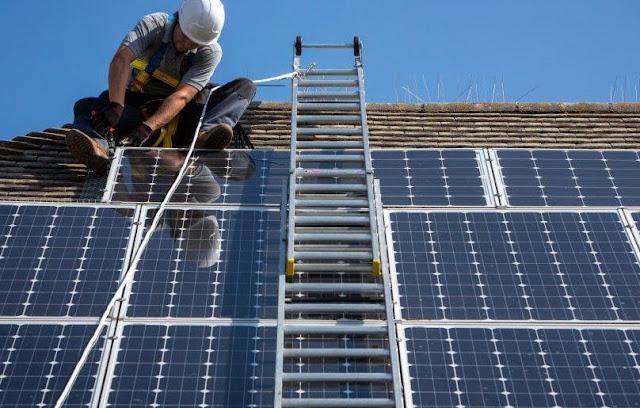 Lokasi dan Arah Atap Mempengaruhi Pemasangan Solar Panel