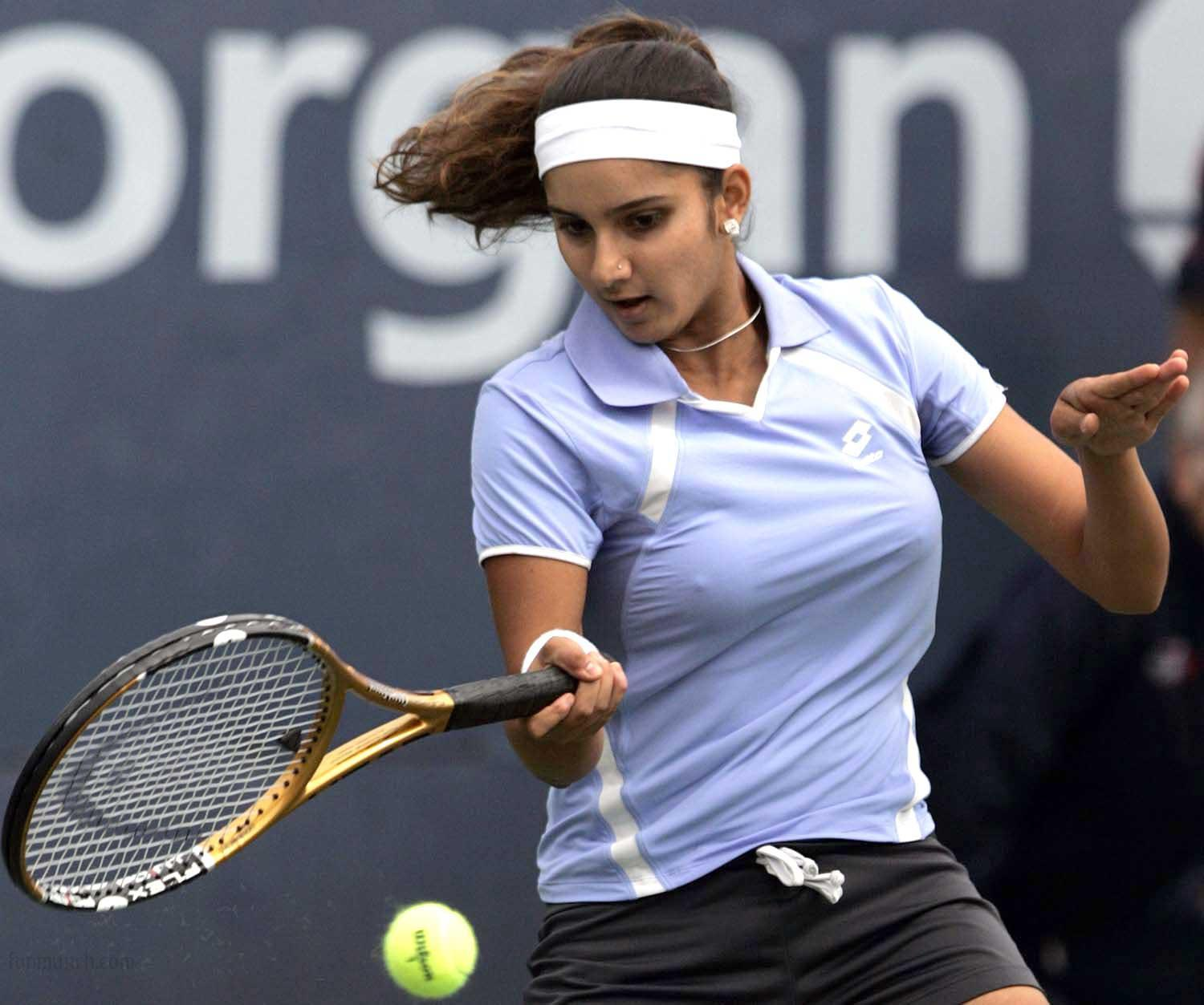Suggest you pics of sania mirza has