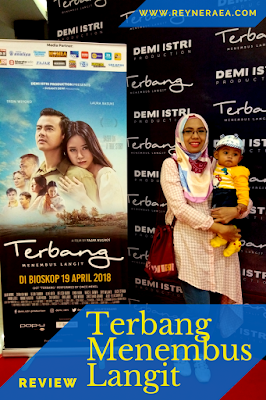 Review Film Terbang Menembus Langit