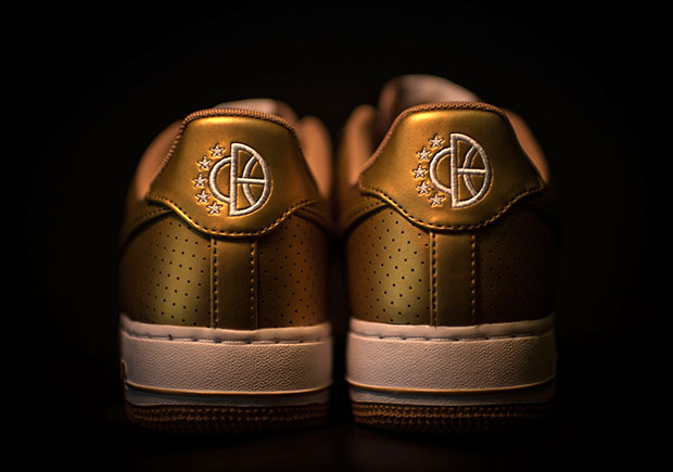 Nike Air Force One Metallic Gold calcanhar preço