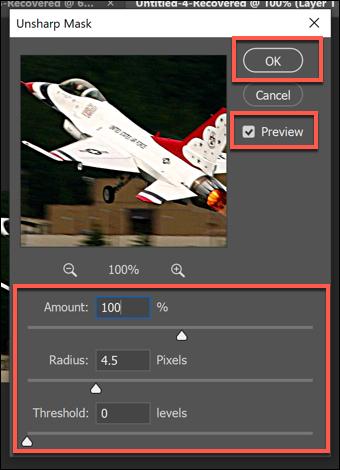مربع خيارات مرشح Unsharp Mask في Photoshop ، مع منزلقات خيارات متنوعة.  اضغط على موافق للحفظ.
